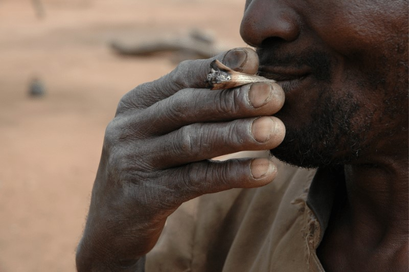 To Investigate Smoking in the Context of Poverty and Motherhood